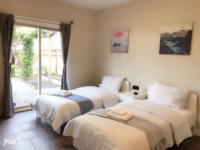 Central  North Van Living---Bedroom #101