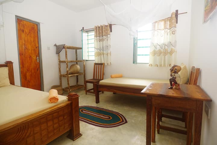 Ananda Beach House -Triple Room w Private Bathroom