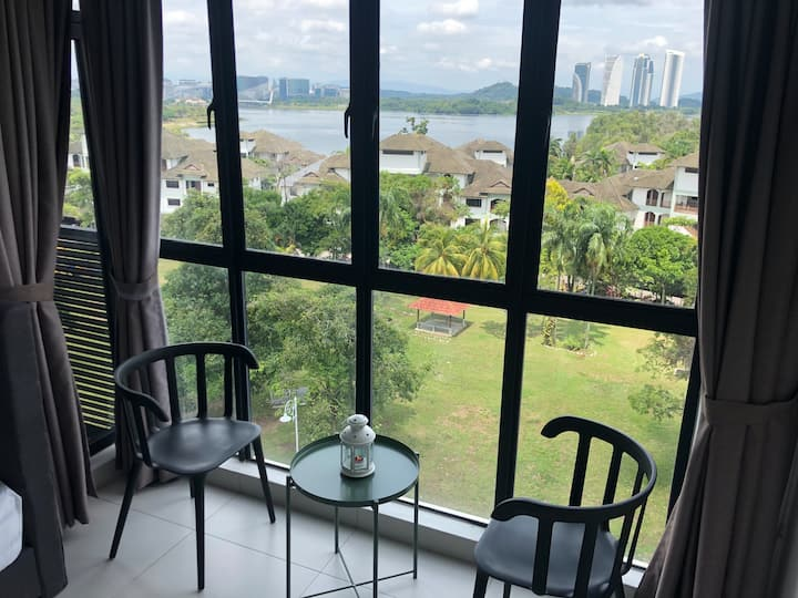 White Haven Duplex Suites Cyberjaya Lake View