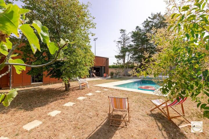 BRUT Verdure et piscine chauffée