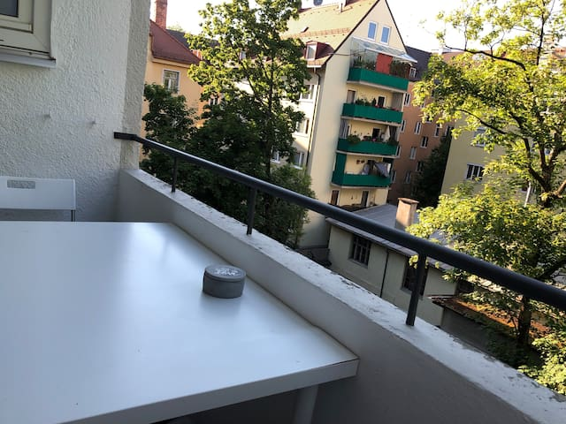 Very central modern flat (3 km to oktoberfest)