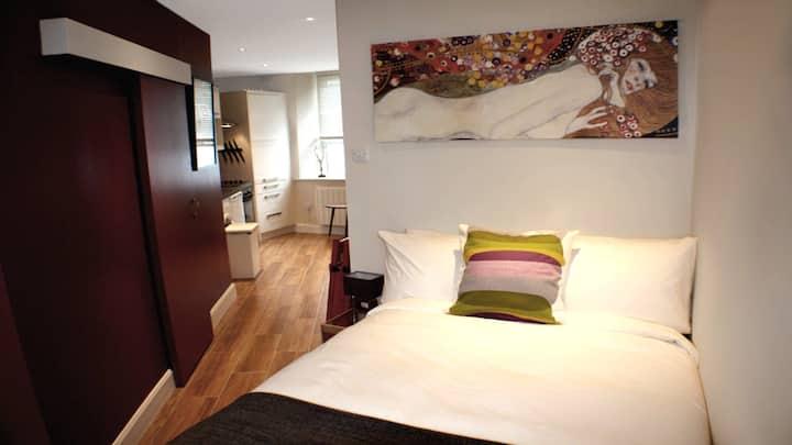 Studio Central! 1 bedroom, ground floor, sleeps 2