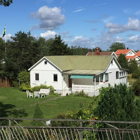 House on Koster, in quiet location near the sea - Sydkoster - Hus