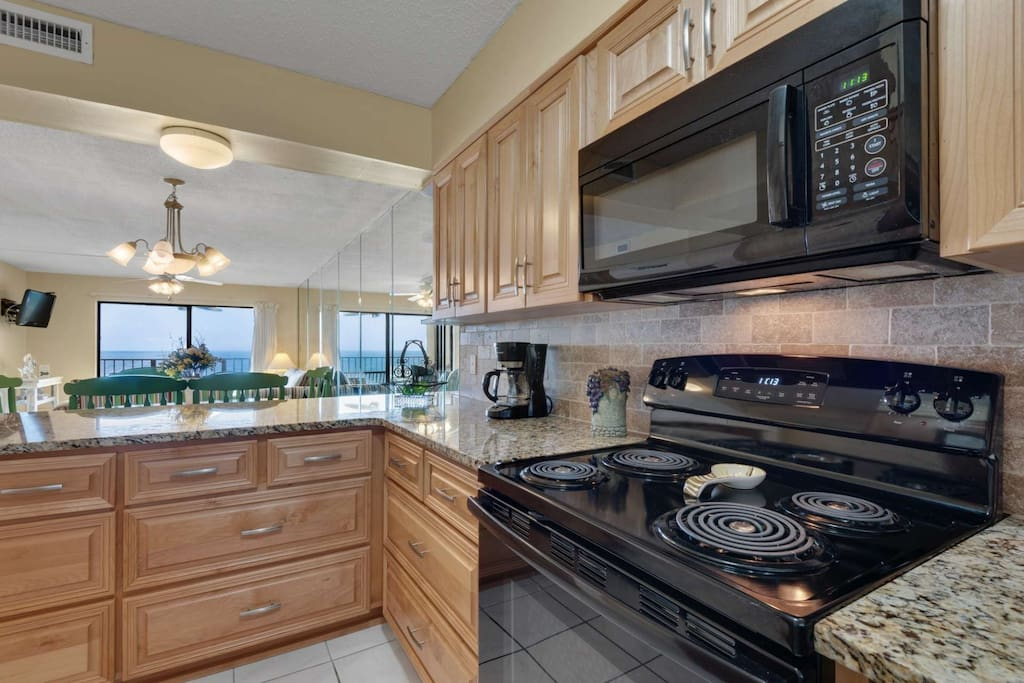 Brand New Kitchen with granite counter tops!