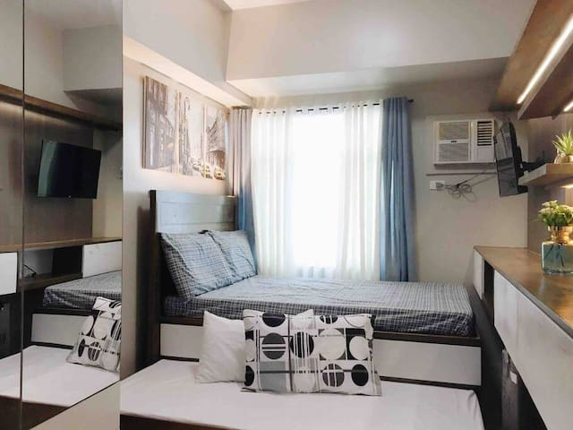 Studio Manila with WIFI and Netflix - Near Airport