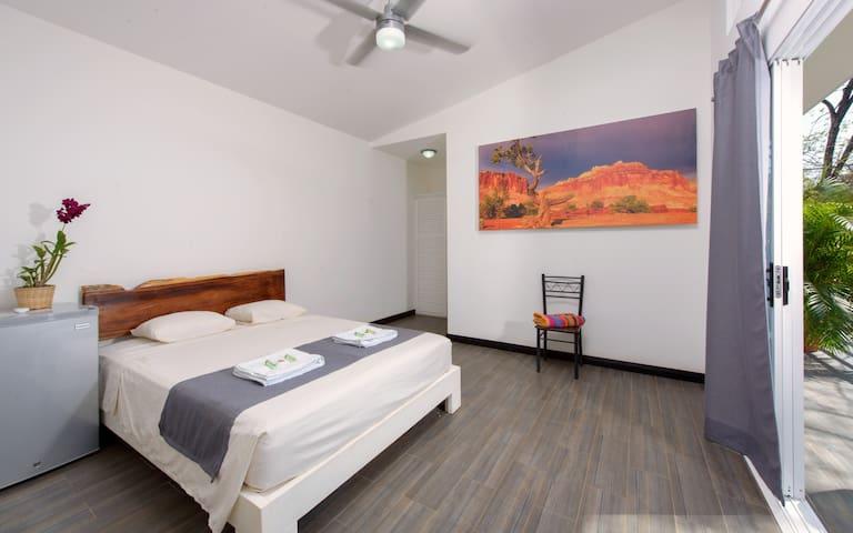 In the Shade (room 2) - Tamarindo - Bed & Breakfast