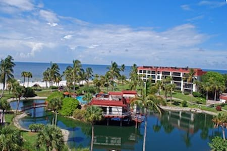 Pointe Santo D25, Gulf-View, Pool & Hot Tub! - Sanibel