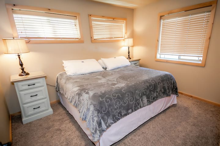 Two Bedroom Double King Suite #11