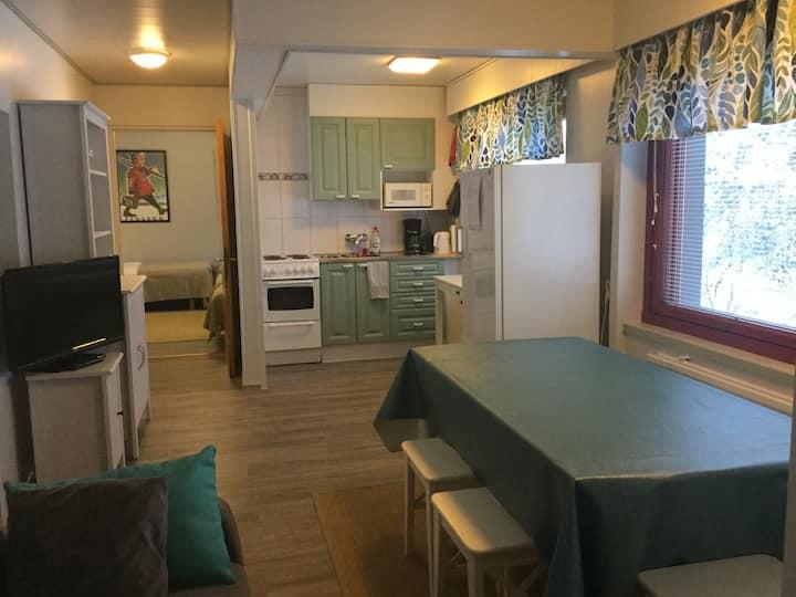 Apartment for 7 ppl near train st. w/ BREAKFAST