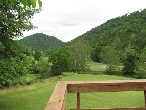 Lost River Swiss; Dog Friendly Cottage