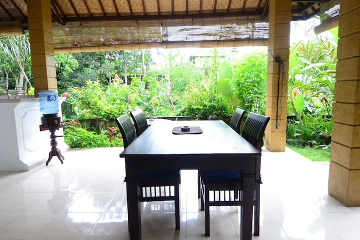 SPECIAL OFFER !! Large 2bedroom, jungle, breakfast