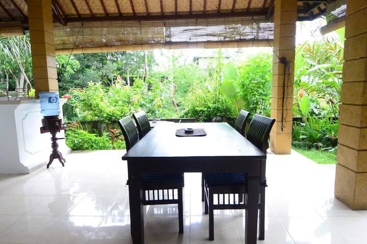 SPECIAL OFFER !! Large 2bedroom, jungle, breakfast