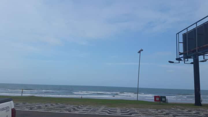 Apto Caiobá vista para o mar a 50 mts da areia