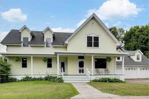 Historic 1880s Home—Dr. Combacker's