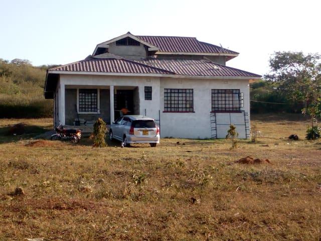 Utonga Beach House