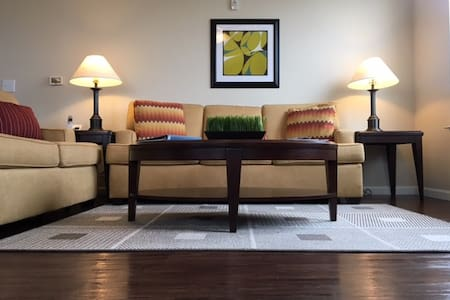 Luxury Private Suite in Fishers ~ Managed - Fishers - Huoneisto