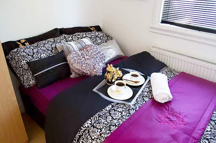 Gorgeous new studio flat in the heart of london!