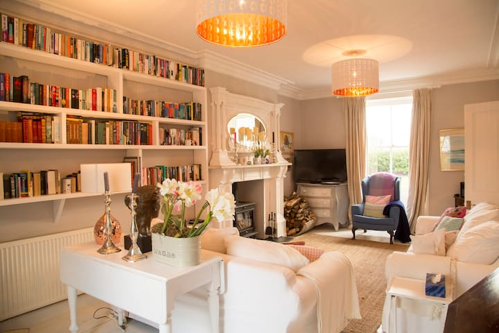 Bron Menai Penthouse suite - Dwyran - Huis