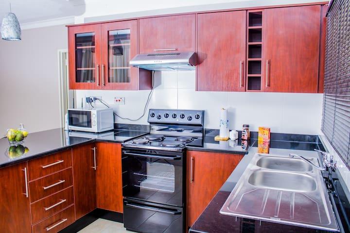 Thornpark Garden Villa 3 bed - Harare - Rumah