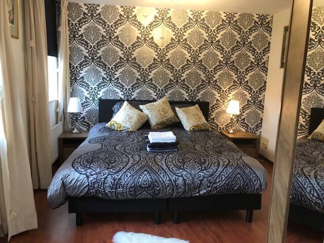 Luxe short Stay suite  in fraai Herenhuis