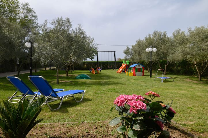 'Elia Petra Dikella Beach Home'