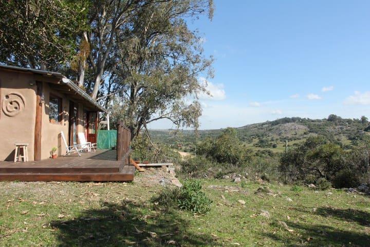 Mudbrick Lodge Relax in Villa Serrana - Villa Serrana - House