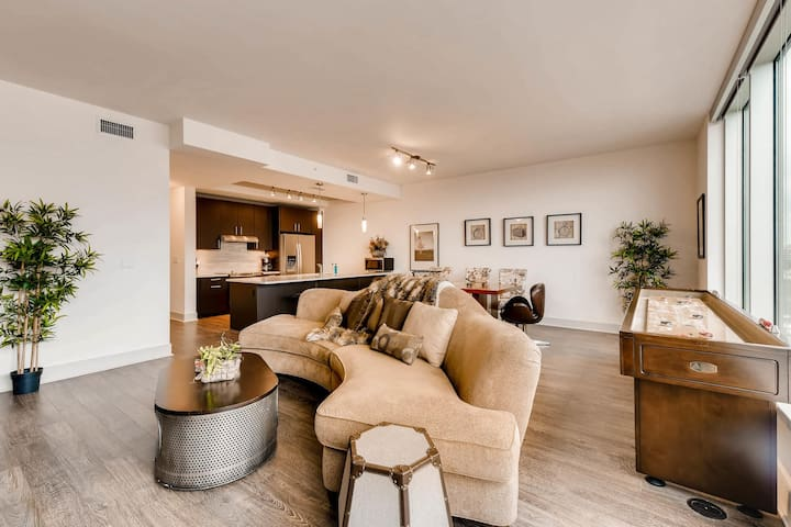 Truly Experience Austin in Style with this Luxury Unit!