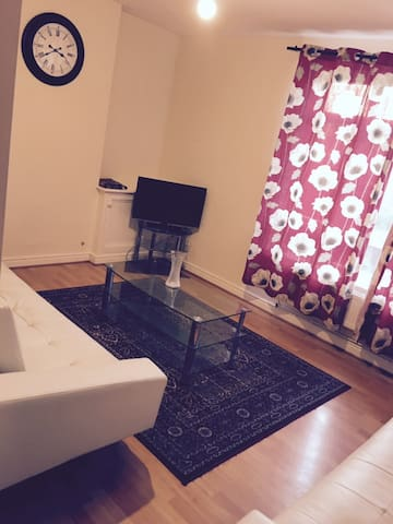 Two Bedroom Apartment Near Manchester City Centre - Манчестер - Квартира