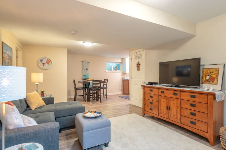 Private ALL NEW, 2 BR, bath, kitchen & living room