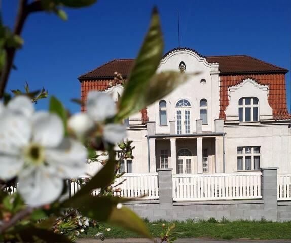 Vila Mánička - vznešený dům v Posázaví