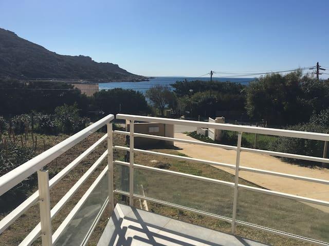 Bas de Villa très spacieux au bord de mer - Sartène - Hus