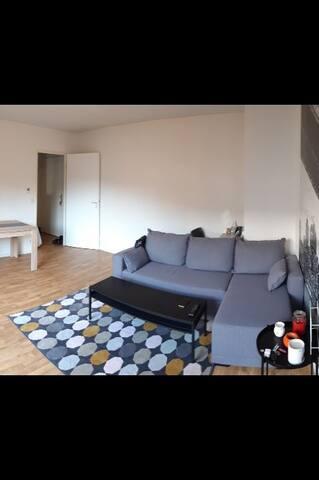 T2 meublé avec balcon dans résidence sécurisée