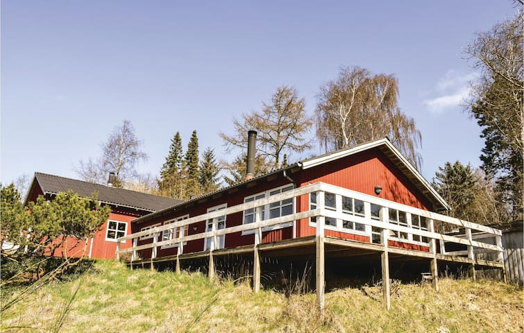 Holiday cottage with 3 bedrooms on 134 m² in Ebeltoft