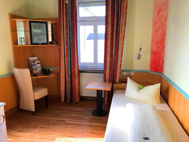 Meister Bär Hotel (Marktredwitz), Einzelzimmer Standard