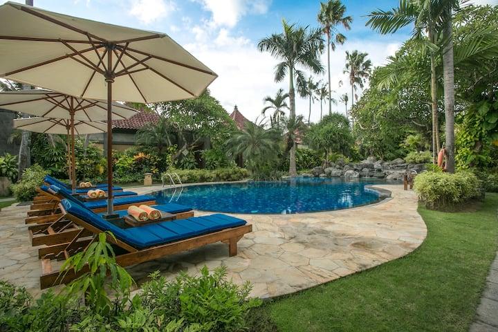 2-BR Private Pool Villa 3-min Walk to Sanur Beach!