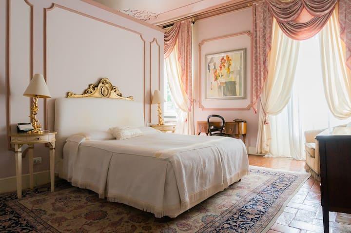 Suite in Villa del 1700 con parco