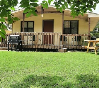 Lakeview Cottage 4 on Bull Shoals Lake 2 bedroom