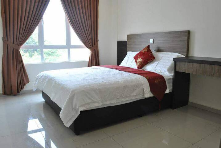 Cozy Stay!(8Private Rooms with attached Bathroom)