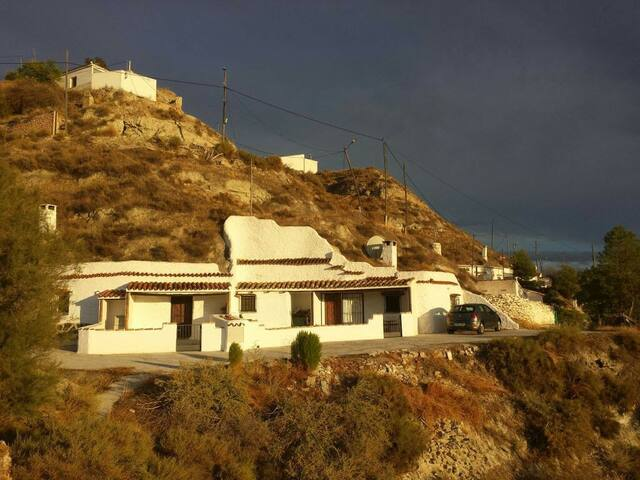 Cave House  with  mountain views - Castilléjar