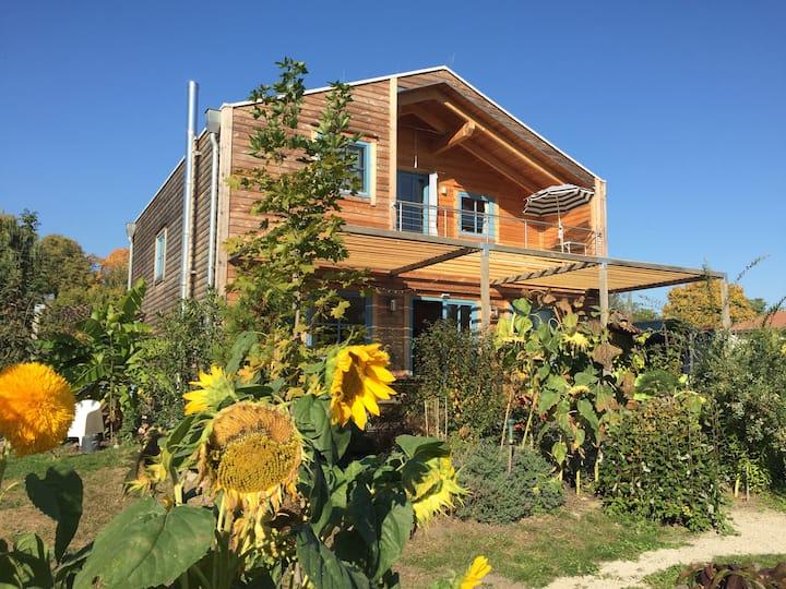 Gemütliches Holzhaus mit Seeblick-60 km von Berlin