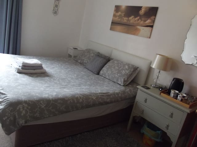 Beachside B&B - Hornsea - Bed & Breakfast