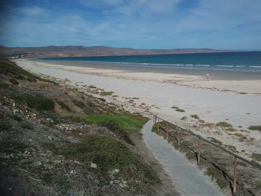 1 block from Aldinga Beach