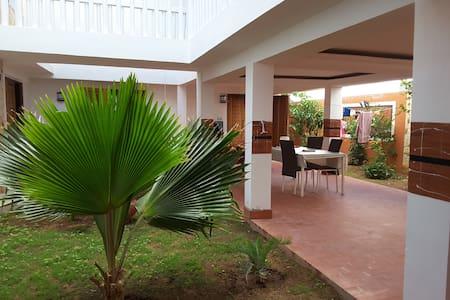 Maison esprit Riad, Ndayane, Popenguine