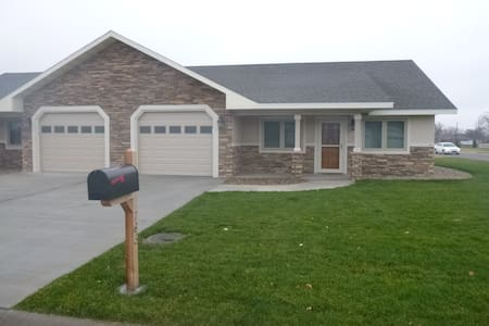 New Home Easy Access From  I-70 #1 - Goodland