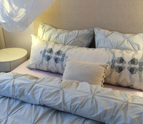 tranquil room with private bath - Fort Lauderdale - Bed & Breakfast