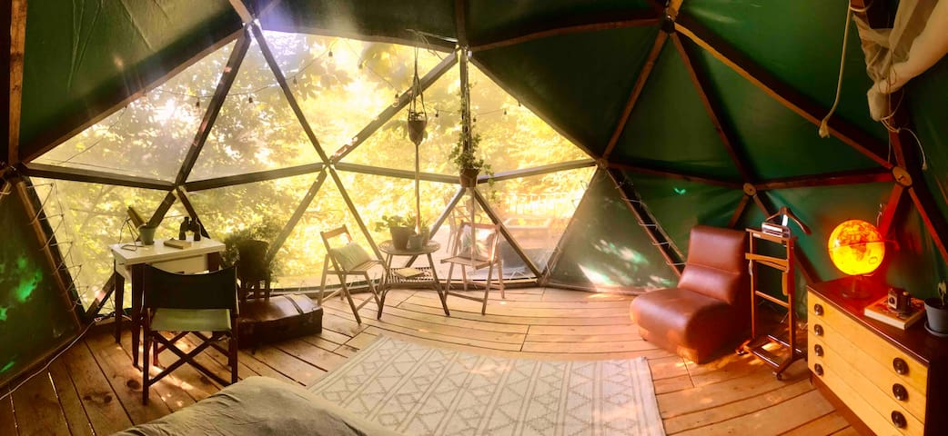 Off-Grid Dome with breakfast included