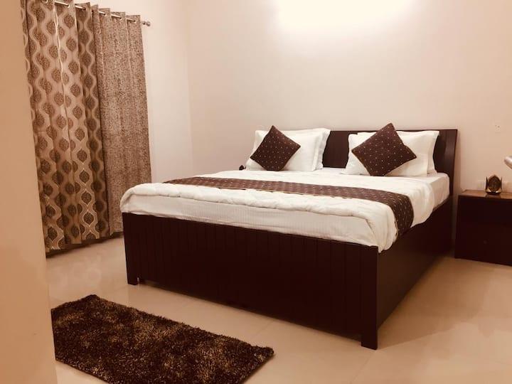 Love North India - Spacious 3 BHK House