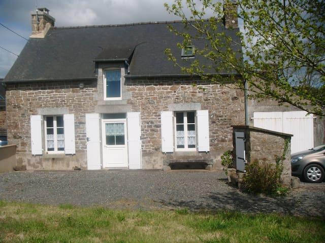 maison de campagne accueillante - Saint-Brandan - Dom