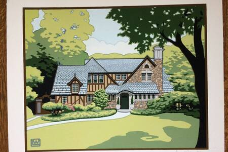 Four Bedroom, Historic Tudor in Maplewood District
