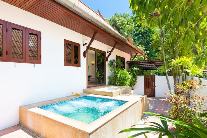 Thai Villa, Jacuzzi☀️Nature☀️2 Bdms, 500m to Beach
